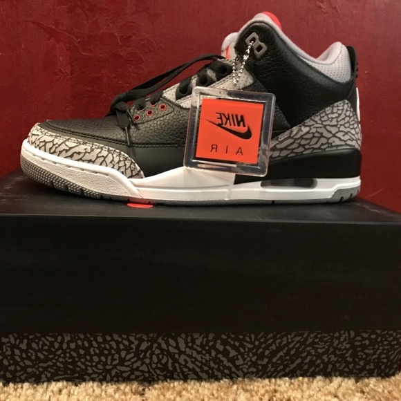 Nike AIR JORDAN RETRO 3 BLACK CEMENT Size 10 Boutique